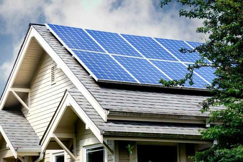What You Should Know About Solar Panel EMF Radiation
